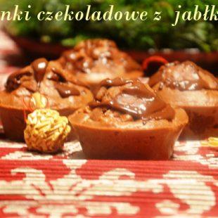 Lekkie muffinki czekloadowe z jabłkami
