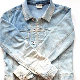 Metamorfoza kurtki jeansowej z second handu