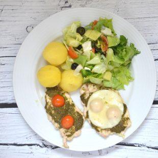 Kurczak z pesto i pomidorami