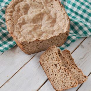 Trzystopniowy chleb żytni na zakwasie
